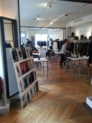 Trabajando la nueva colección con el equipo de Marc Jacobs en su showroom de París.